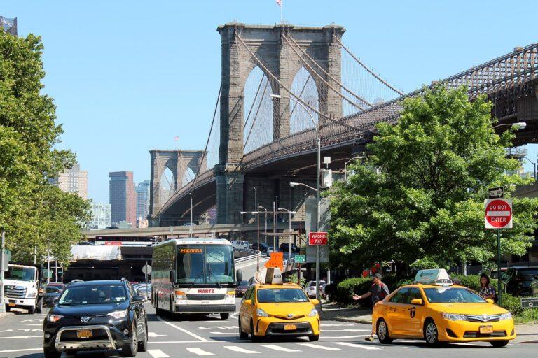 Nowe przepisy wyrównają szansę między taksówkarzami a innymi przewoźnikami